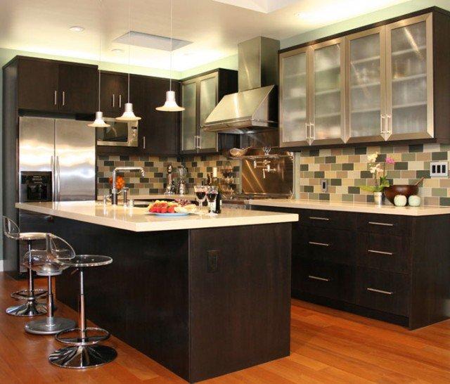 дизайн кухни шоколадного цвета