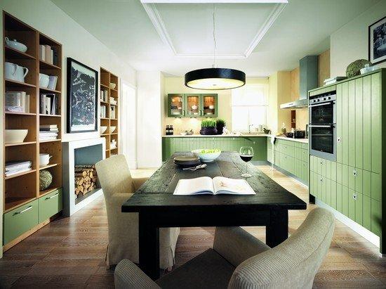 интерьер совмещенной кухни с гостинной