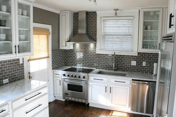 Tile backsplash white cabinets