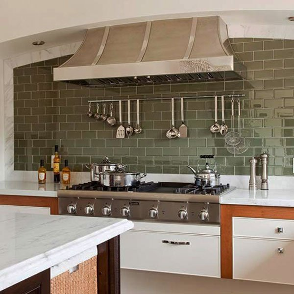 серая керамическая плитка на кухне
