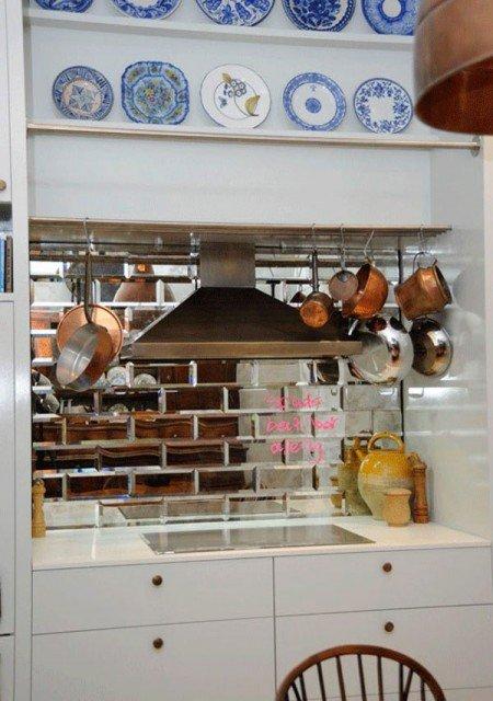 зеркальная керамическая плитка на кухне