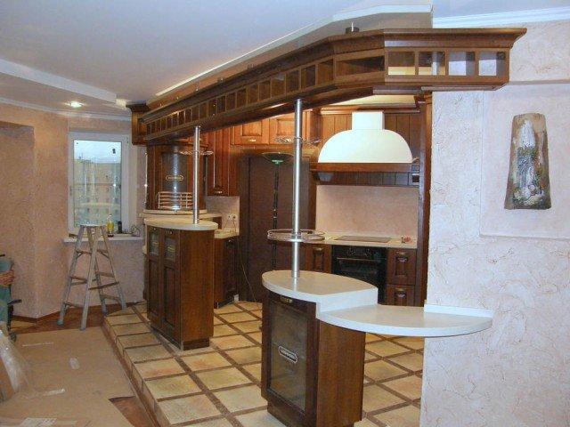 Дизайн кухни с барной стойкой в частном доме