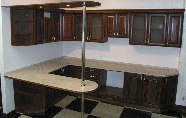 дизайн кухни студии с барной стойкой