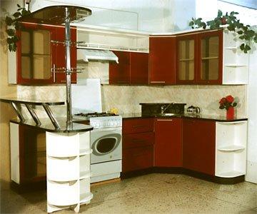 интерьер кухни с барной стойкой у окна