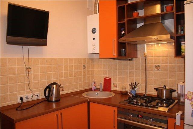 кухни с газовой колонкой в маленькой квартире