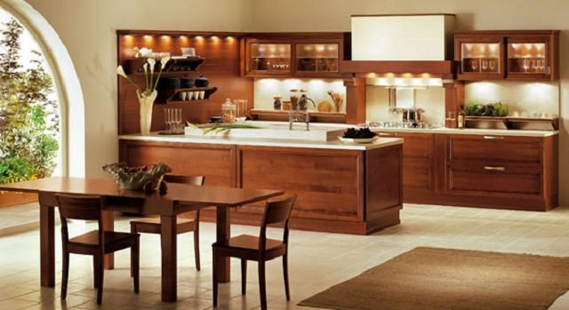 деревянная кухня коричневого цвета