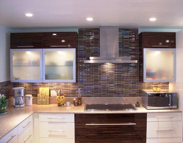 Интересная кухня с мозаикой