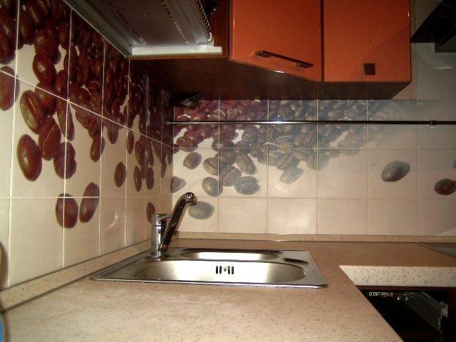 интересное решение оформления плитки на кухне