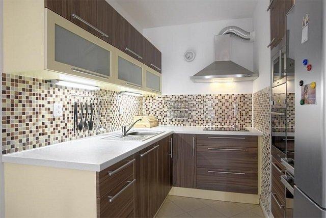 Использование мозаики в дизайне кухни