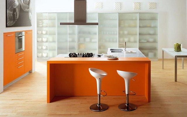 оранжевая кухня у вас дома