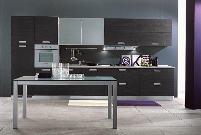 современная кухня в серых оттенках