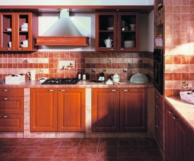 Дизайн напольной плитки в кухне
