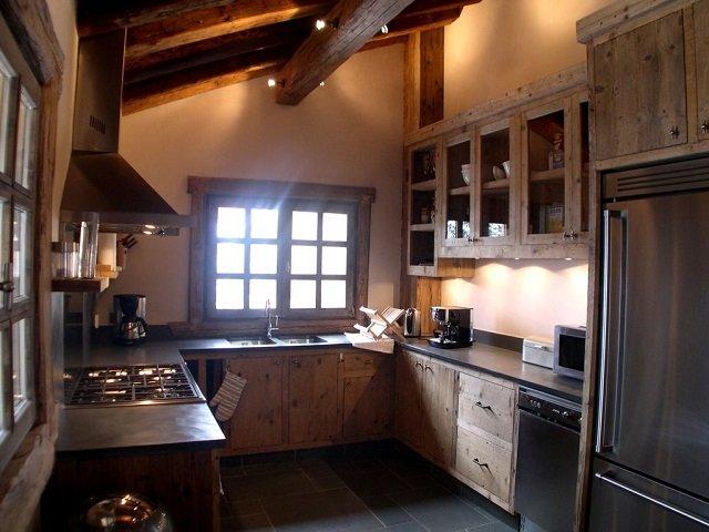 интерьер кухни шале
