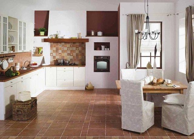 кухня обделанная плиткой
