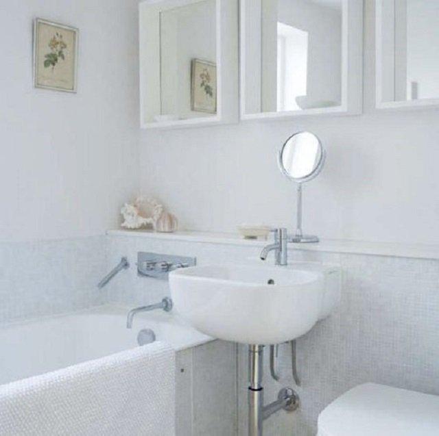 ванная комната белого цвета 3кв м