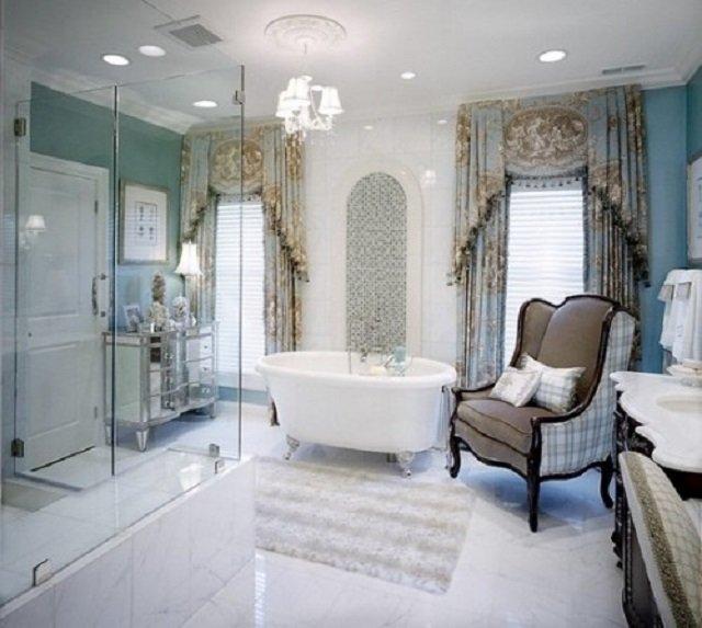 варианткласического интерьера в ванной комнате