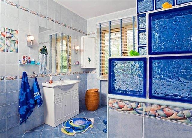 вариант морского стиля в ванной