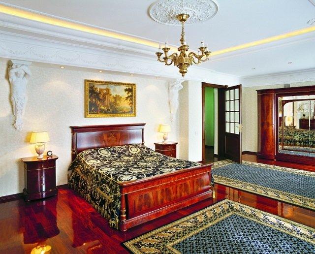 вариант подбора ковров в спальне