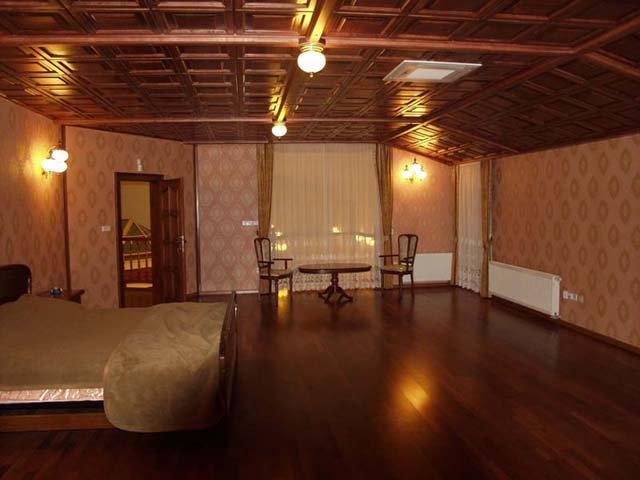 великолепный дизайн спальни больших размеров