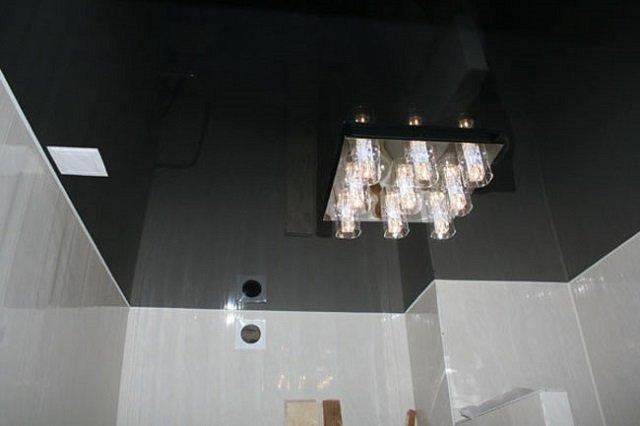 глянцевые черные натяжные потолки