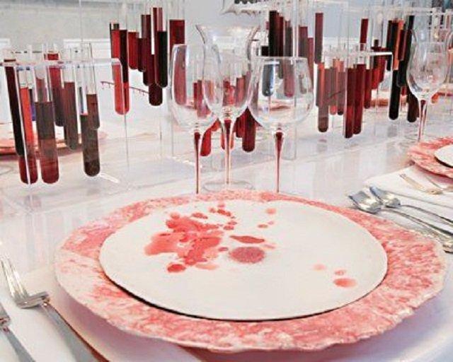 кровавый декор от эмми лау