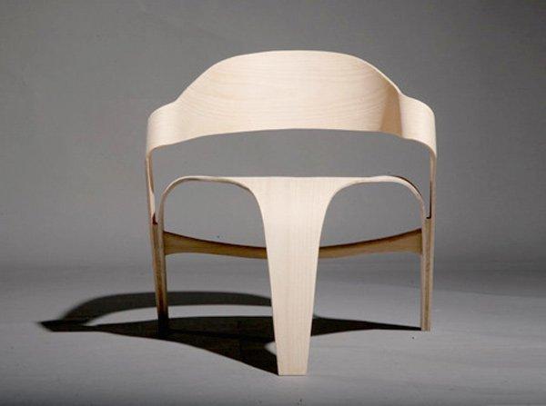 динамичный стул от Alvaro Uribe