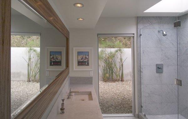 резиденция с четырьмя ванными комнатами