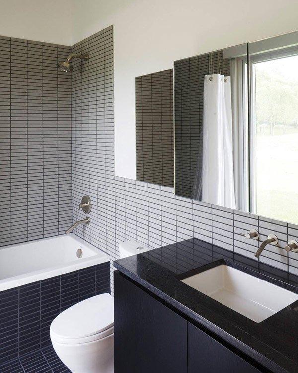 дизайн ванны в черно-сером цвете