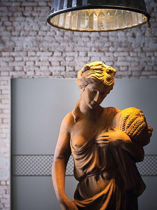скульптура в интерьере фото