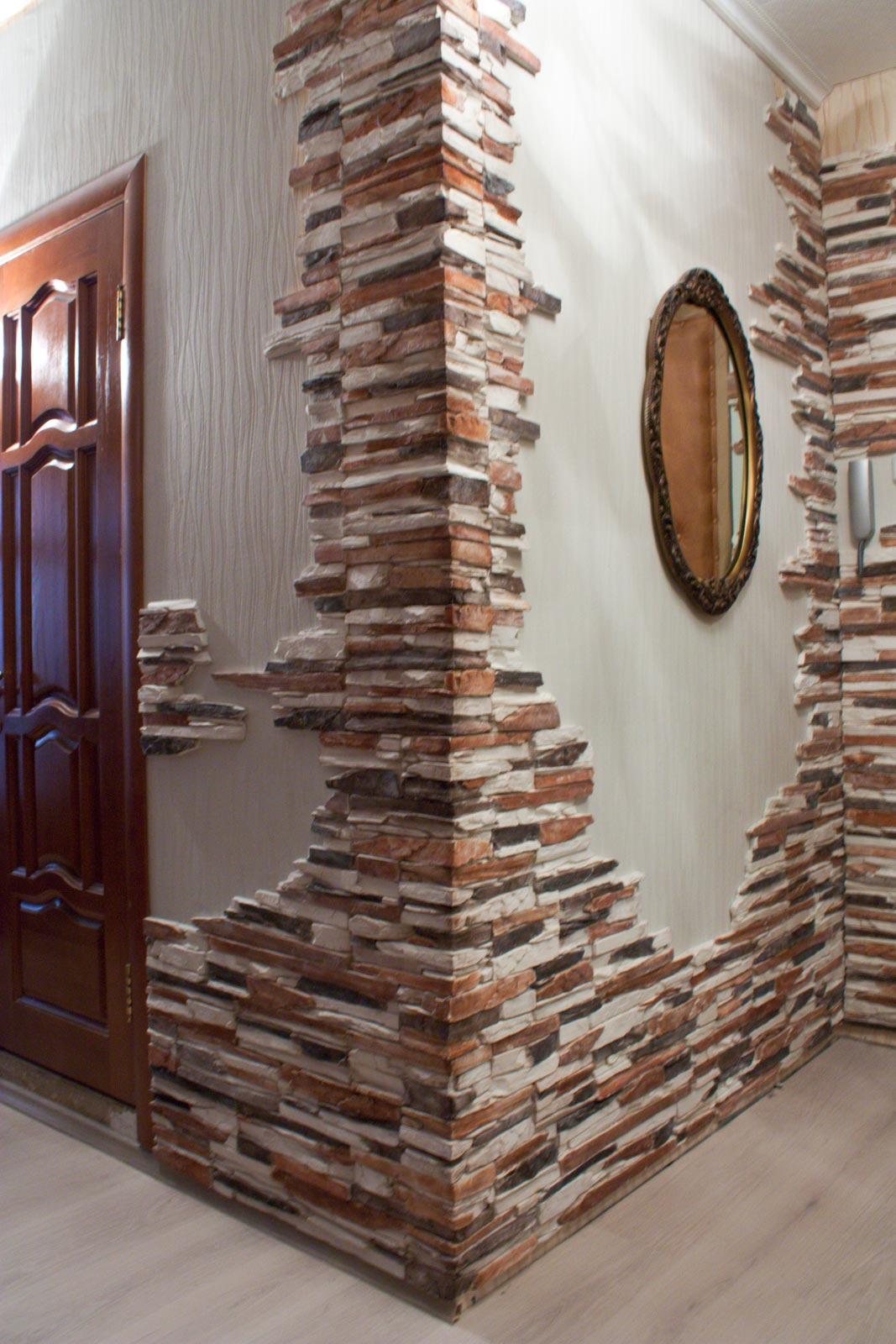 Декоративный камень в интерьере прихожей: что такое и с чем .