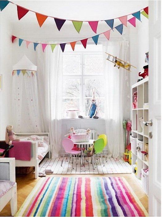 светлая мебель в интерьере детской