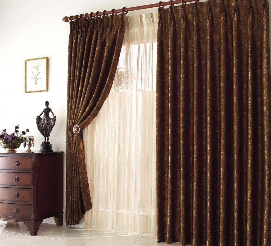 бархатные шторы в интерьере гостиной фото