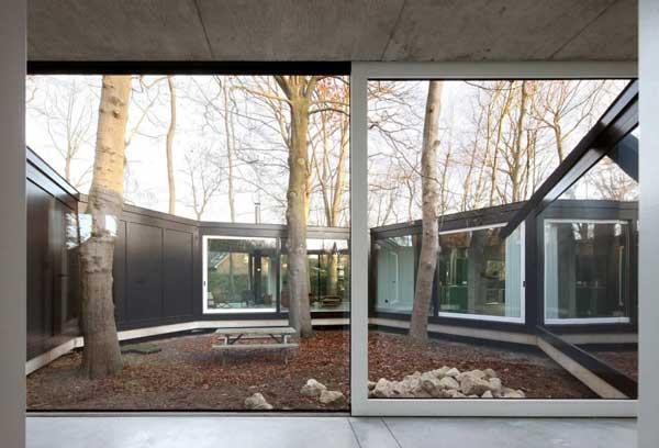 House-BM-by-Architecten-De-Vylder-Vinck-Taillieu-12