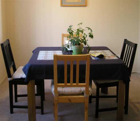 mismatched-dining-room