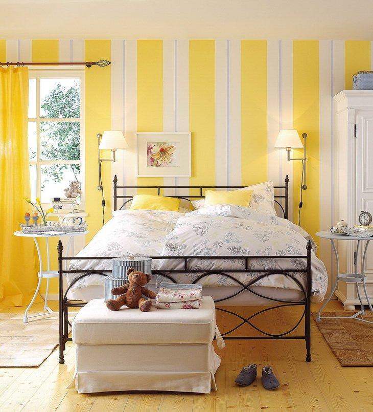 полоска в интерьере спальни фото