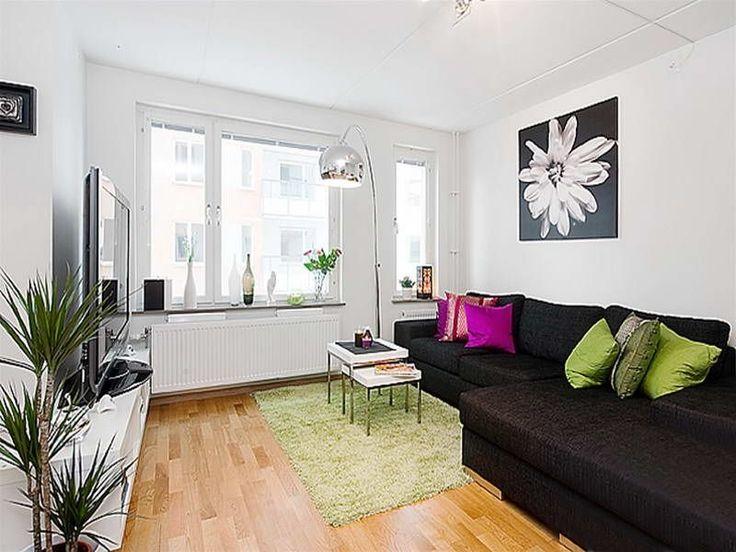 черный диван в интерьере. фото
