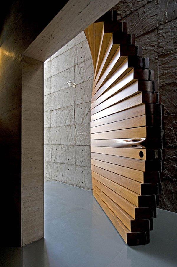 Detail-Matharoo-Curtain-Door-Opened