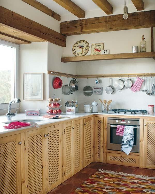 Фото маленькой деревенской кухни дизайн