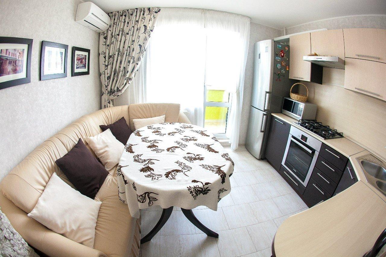 Кухни дизайн 12 кв с диваном
