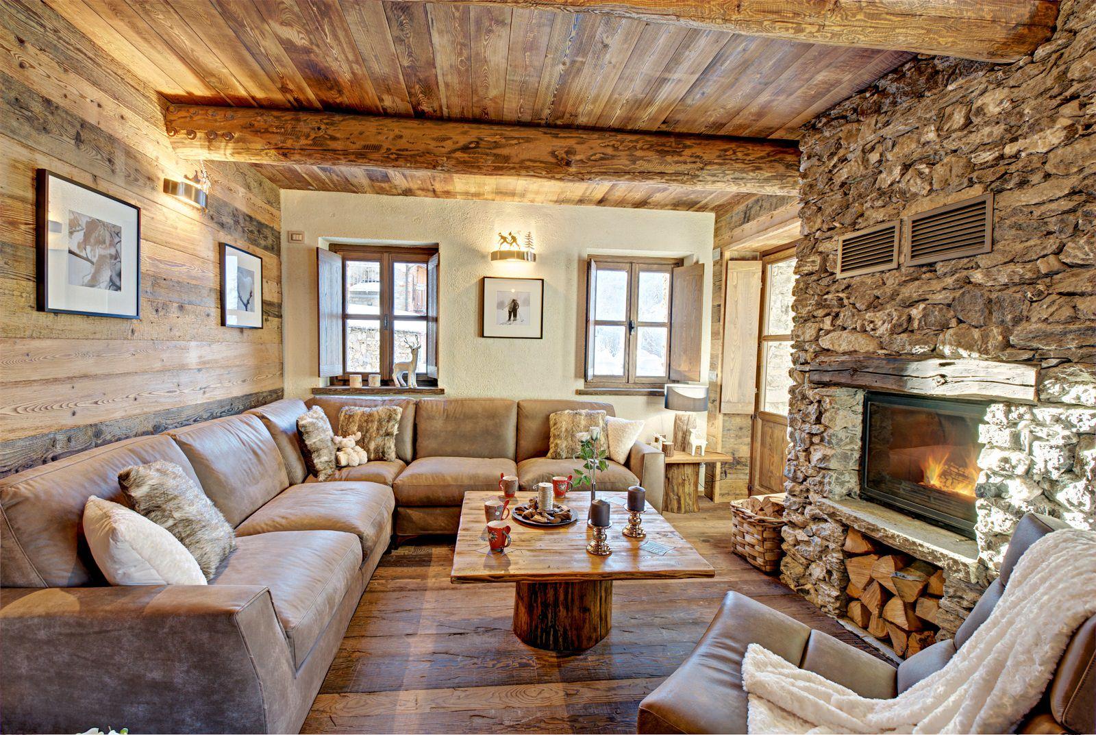 Интерьер гостиной в стиле шале фото
