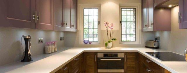 Дизайн п образной кухни с окном