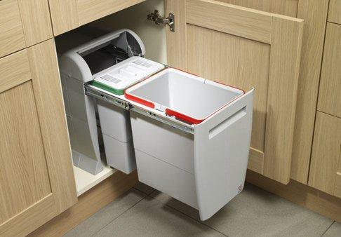 мусорное ведро на кухне