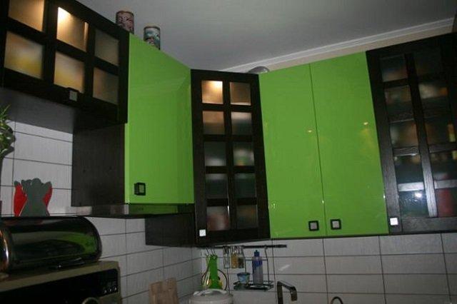 неплохой вариант интерьера кухни 9м2