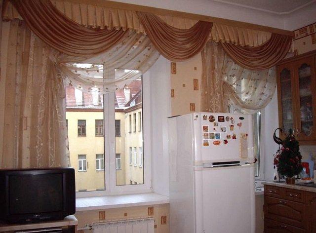 хороший дизайн штор на кухню