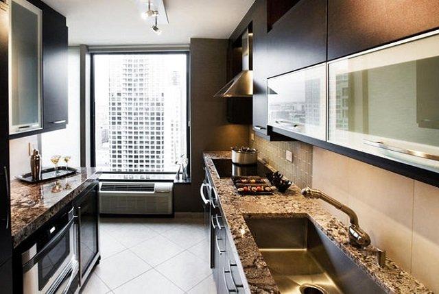 создаем интерьер длинной узкой кухни