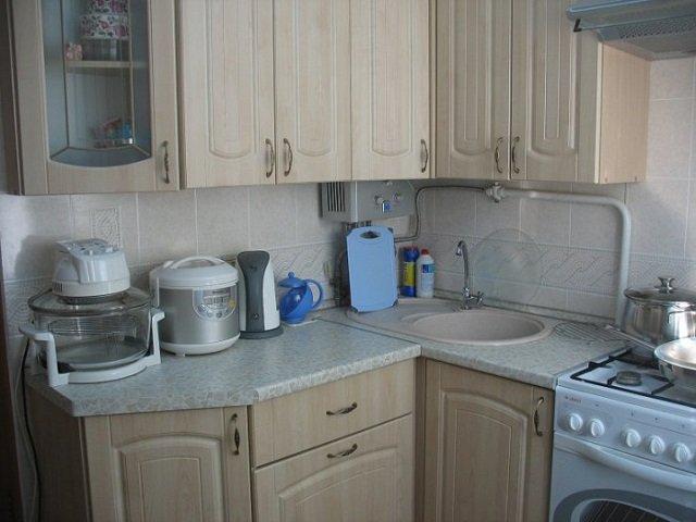 дизайн малогабаритной кухни с газовой колонкой это вам по силам и малая площадь не проблема