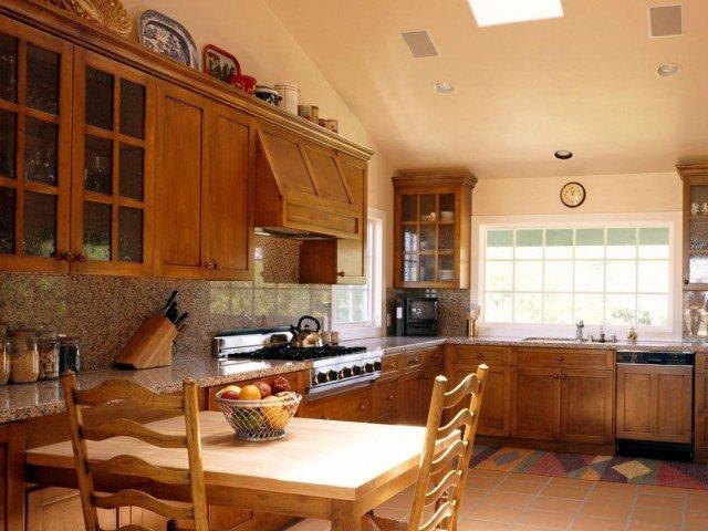 идеи кухни в деревянном доме