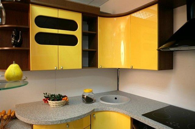 современная кухня желтого цвета