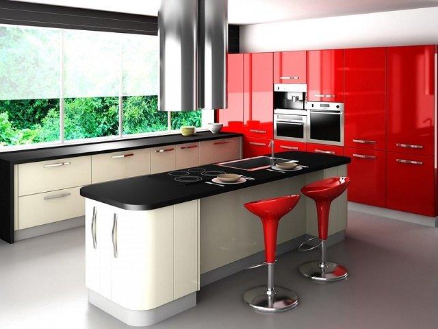 современный дизайн кухни с элементами красного цвета