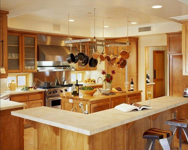 дизайн кухни квадратной